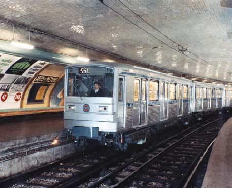 1968 ligne 3 les trains en inox (droits réservés)
