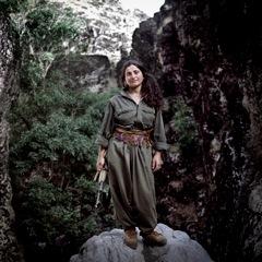 Amazone du PKK - Copyright Colin Delfosse